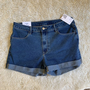 NWT H&M Blue Denim Cuffed Shorts US 10